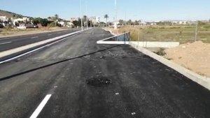 Brutal chapuza en una carretera que podría provocar muchos accidentes