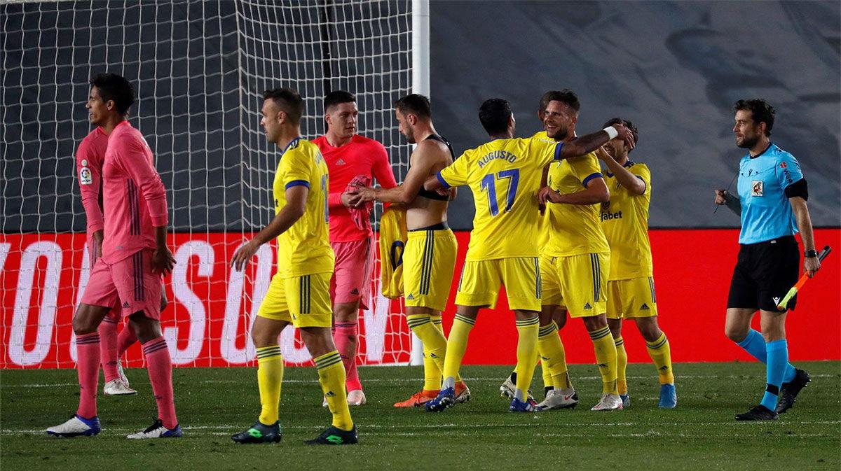 El Cádiz da la sorpresa y gana en Valdebebas a un pobre Real Madrid