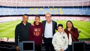 Cardoner recibió a Anthony Borges y a su familia en el Camp Nou