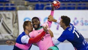 Dika Mem marcó cinco goles en la séptima victoria liguera del Barça