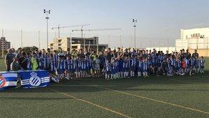 El Espanyol abre dos escuelas de fútbol en Badajoz y Granada