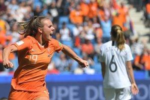 Jill Roord celebra su gol durante el partido del Mundial de Fútbol Femenino que enfrentó este martes a Holanda y Nueva Zelanda, en Le Havre, Francia.