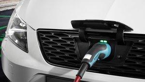 Los coches eléctricos siguen creciendo en España.