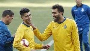 Mario Hermoso y Borja Iglesias en un entrenamiento la temporada pasada