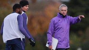 Mourinho ya trabaja en el Tottenham