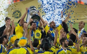 Pako Ayestarán ya tiene su triplete con el Maccabi Tel Aviv