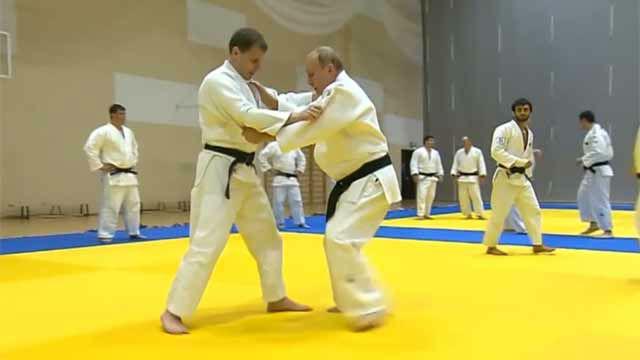 ¡Putin se lesiona practicando judo!