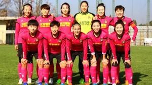 Vero Boquete, con sus compañeras del Beijing BG Phoenix