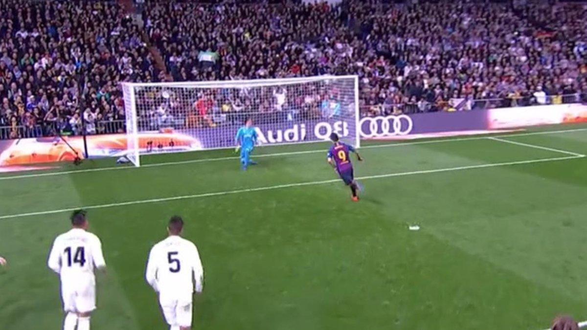 Luis Suárez selló el 0-3 lanzando un penalty a lo Panenka 4dca473c10991