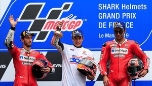 Marc Márquez arrasa en el GP de Francia y consigue la victoria 300 para Honda.