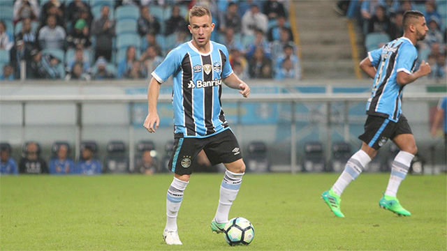Arthur, one step away from FC Barcelona