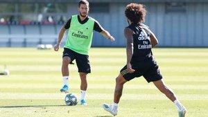 Eden Hazard y Marcelo durante el entrenamiento de este viernes