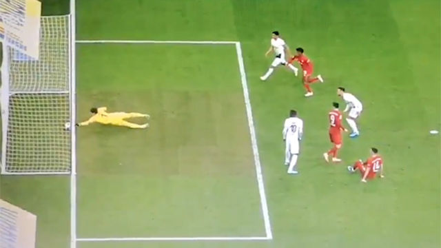 La estirada imposible de Sommer que evitó un gol por un milímetro
