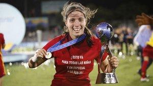 Eva Navarro celebra el Mundial sub-17