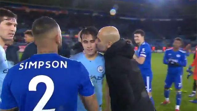 Guardiola felicitó a Eric García tras su debut con el City