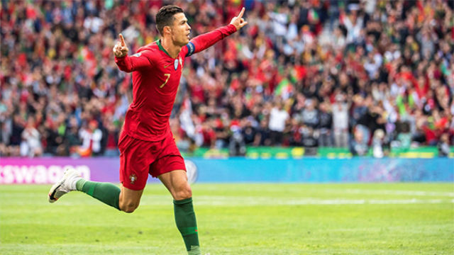 El hat-trick de Cristiano ante Suiza que mete a Portugal en la final de la Nations League