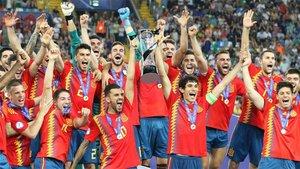Los jugadores de la selección de España Sub 21 celebran la conquista de la Eurocopa 2019
