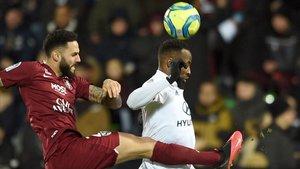 El Lyon ganó 0-2 al Metz