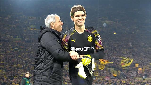 Marwin Hitz, portero suplente del Dortmund, entra en el 70 y le asegura la victoria a su equipo