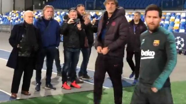 Messi ya pisa el césped de San Paolo