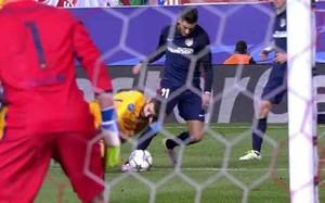 Piqué no hizo penalti