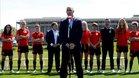 El Presidente de la RFEF, Luis Rubiales, con la selección femenina de fútbol