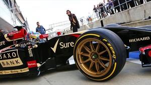 El test de Pirelli en Silverstone 2014 con el prototipo de 18 pulgadas