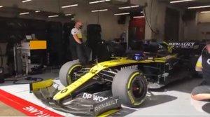 Alonso, saliendo de los boxes del Circuit de Barcelona-Catalunya