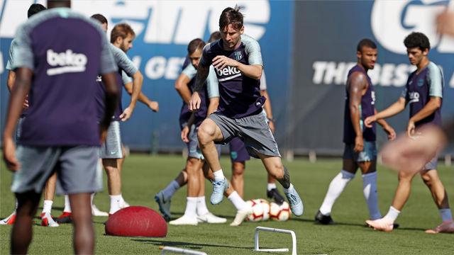 El Barça entrena ocn la mirada puesta en el Leganés