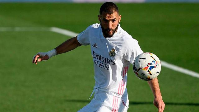 Benzema vuelve a marcar tras un error de Maffeo