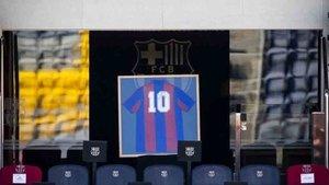 La camiseta de Maradona en el palco del Camp Nou