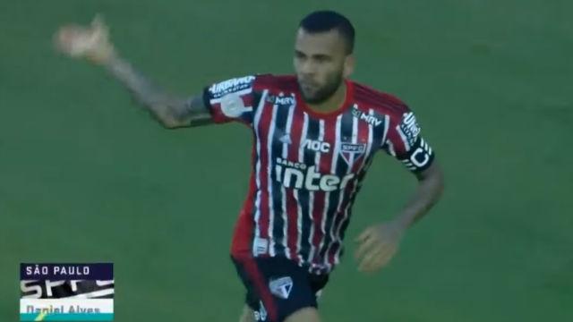 Dani Alves marcó en el Sao Paulo - Santos