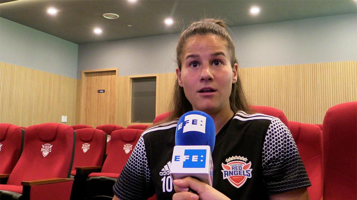 Del Estal, máxima goleadora en Corea, cree que mudarse ha sido lo mejor
