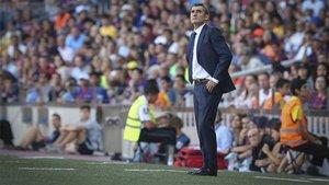 Ernesto Valverde durante un partido del Barça en el Camp Nou