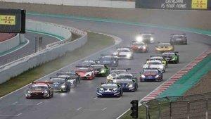El International GT Open completó una intensa jornada en el Circuit