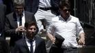 Leo Messi junto a su padre y su hermano