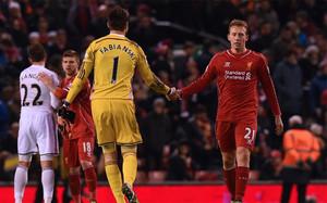 El Liverpool cerró el año con goleada en Anfield