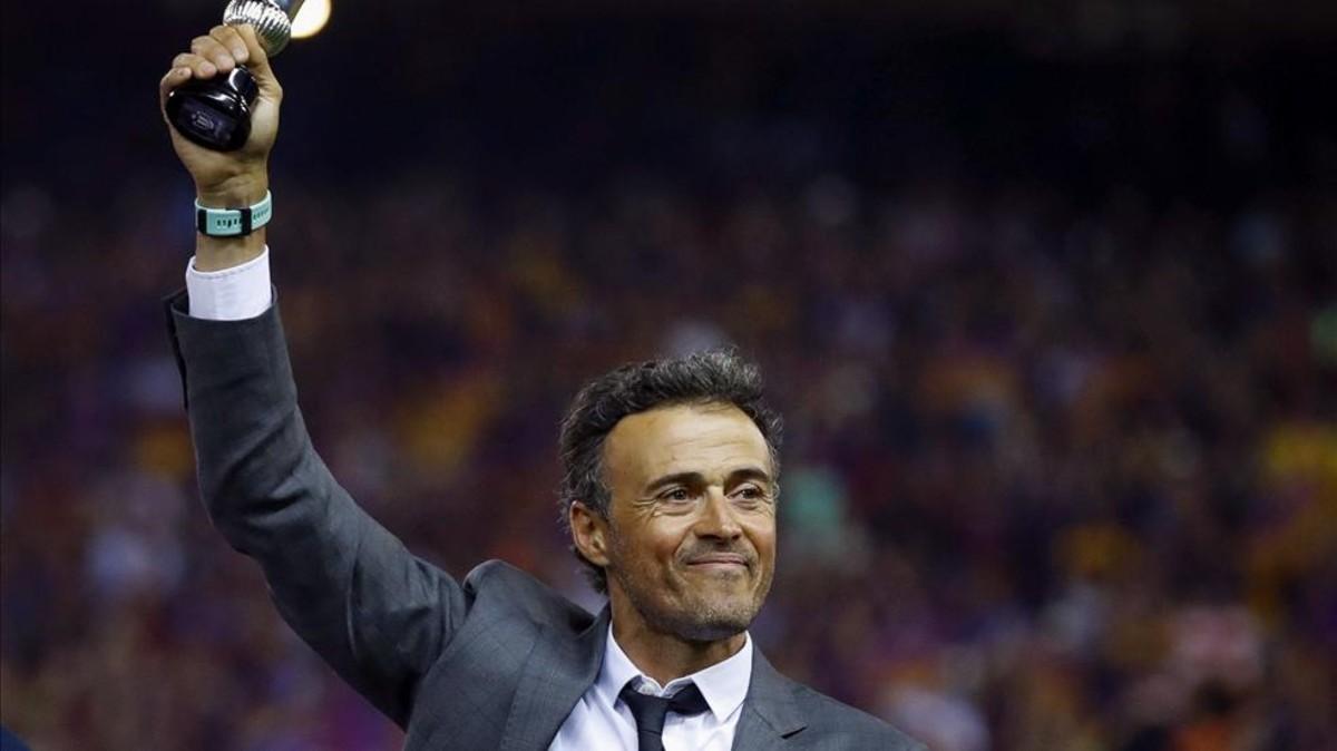 Vụ Sarri có biến, Chelsea quay lại với Luis Enrique