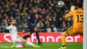 Mbappé y Courtois, mano a mano