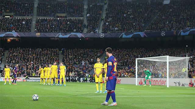 Messi desvela cómo trabaja los lanzamientos de falta