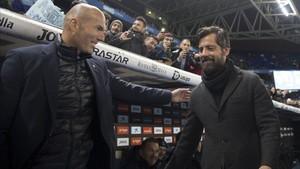 Quique Sánchez le ganó la partida a Zinedine Zidane en el Espanyol - Real Madrid