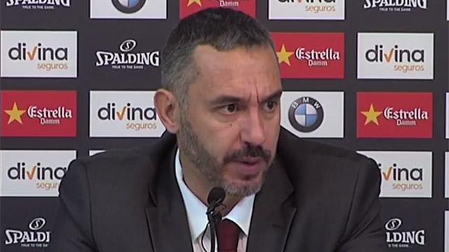 Rajada de manual: El entrenador del Basket Zaragoza se quedó a gusto con el árbitro (ES)