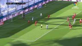 Willian José lanzó sin fe... y Courtois detuvo el penalti