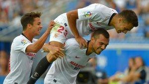 xortunosevilla s spanish midfielder joan jordan r celeb190915160025