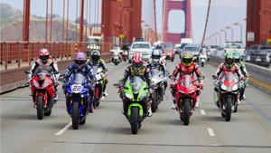Varios pilotos de Superbike cruzan el Golden Gate