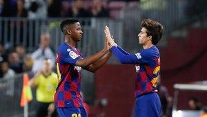 Ansu Fati y Riqui Puig siguen en dinámica del primer equipo