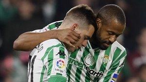 Lo Celso y Sidnei, los goleadores del encuentro.