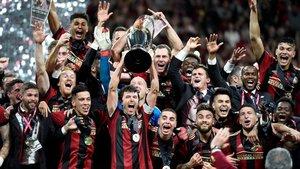 La copa de la MLS termina en un club de alterne acompañada de sus jugadores | USA Today