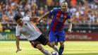 Enzo Pérez, instantes antes de hacerle una entrada a Iniesta que terminó con la lesión del manchego