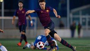 Mika, en el derbi del Juvenil A ante el RCD Espanyol
